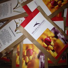 Zakje met tulpenbollen met custom made label